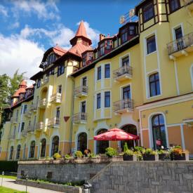 GrandHotel Praha Tratranska Lomnica (Tatragebergte, Slowakije)